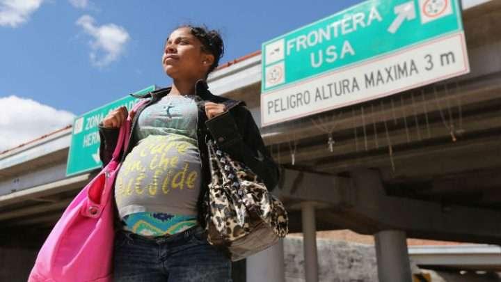 Exigen al DHS pronunciarse ante denuncias de abusos a inmigrantes embarazadas detenidas