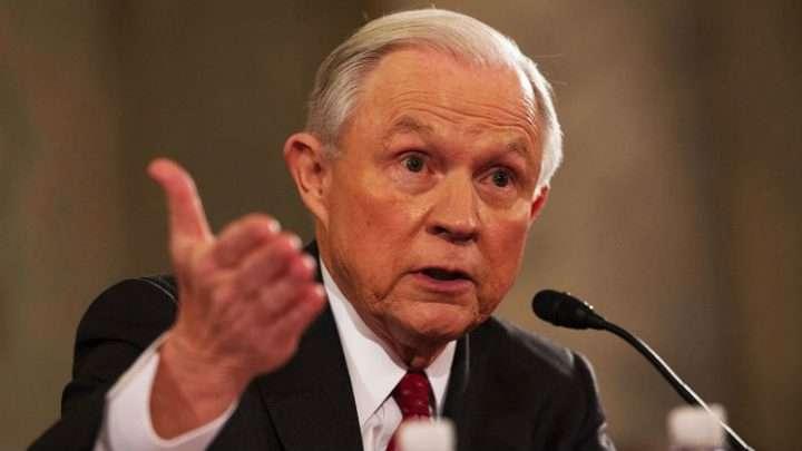 Sessions prohíbe archivar casos de deportaciones de inmigrantes sin antecedentes penales