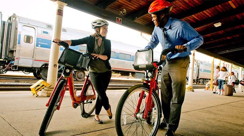 La Alcaldesa Bowser extiende término de viajes gratis en el DC Circulator y anuncia membresías para el uso de bicicletas de Capital Bikeshare gratuito para veteranos de DC