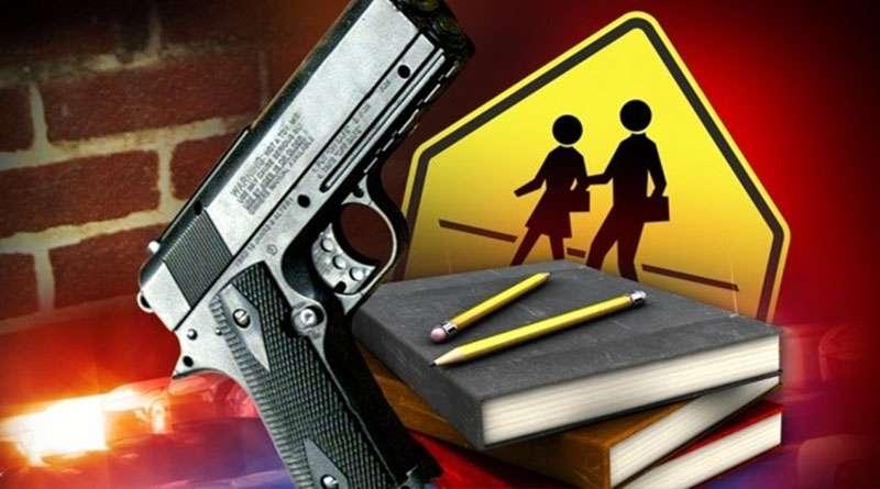 Aprueban en la Florida medida que permitirá maestros armados en las escuelas.