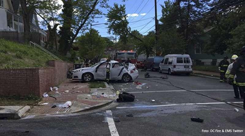 Aparatoso accidente en DC deja a 4 personas heridas.
