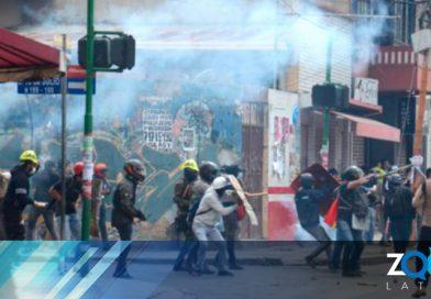 76 periodistas y 14 medios han sido víctimas de las agresiones en este mes de protestas