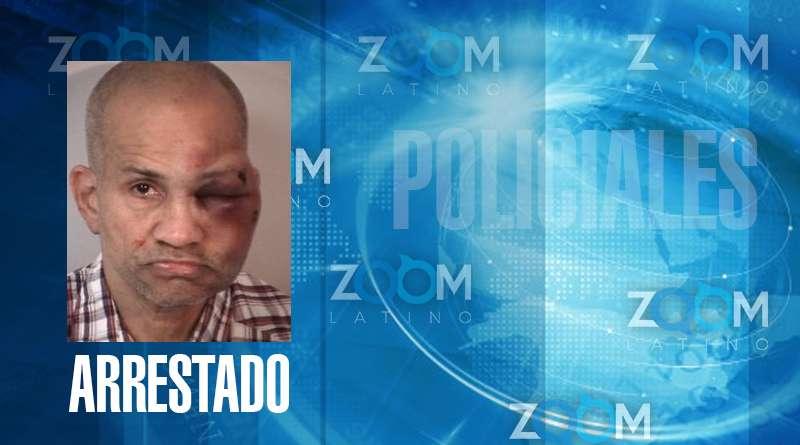 Policía arrestó a un hombre golpeado por un padre después de ser encontrado desnudo en la habitación de sus hijos