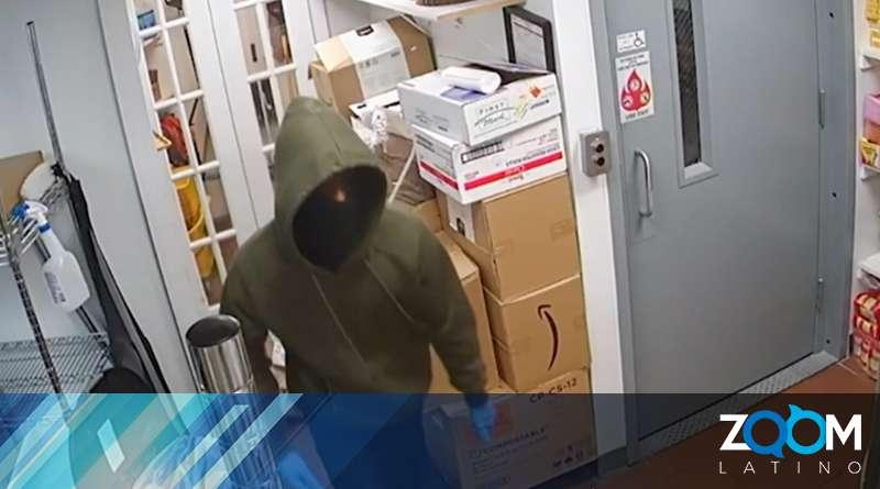 Policía busca a ladrón que fue capturado en vídeo