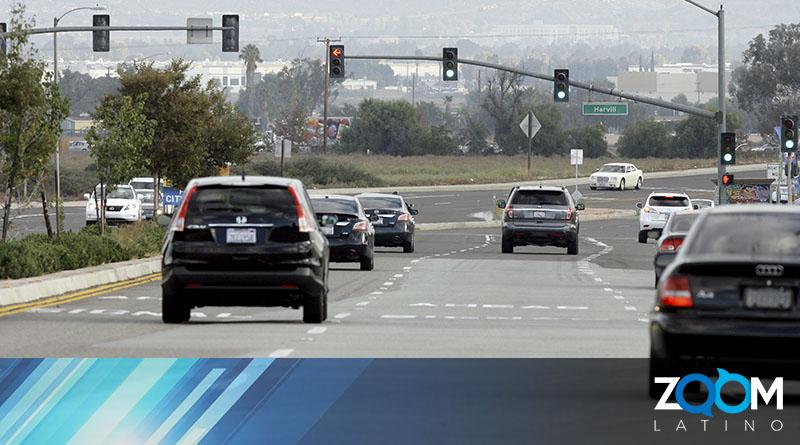 Un peatón murió luego de ser arrollado en la autopista Midcounty Highway.