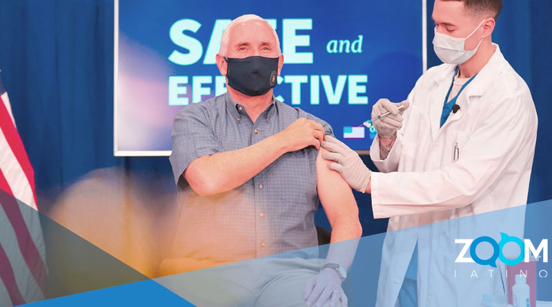 El vicepresidente Mike Pence es vacunado por televisión en vivo.